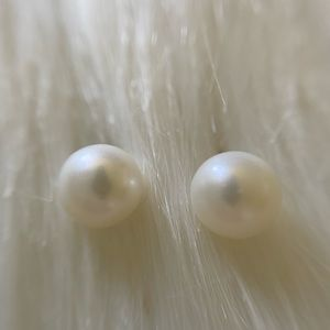 Cultured Pearl Earrings 10K Solid Yellow Gold